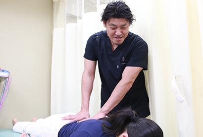 プレミアム産後骨盤矯正の施術写真